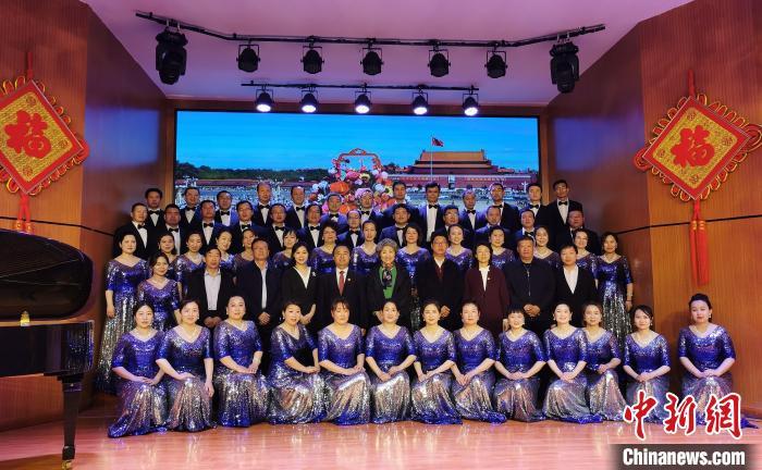 静乐县合唱团合影。 杨杰英 摄