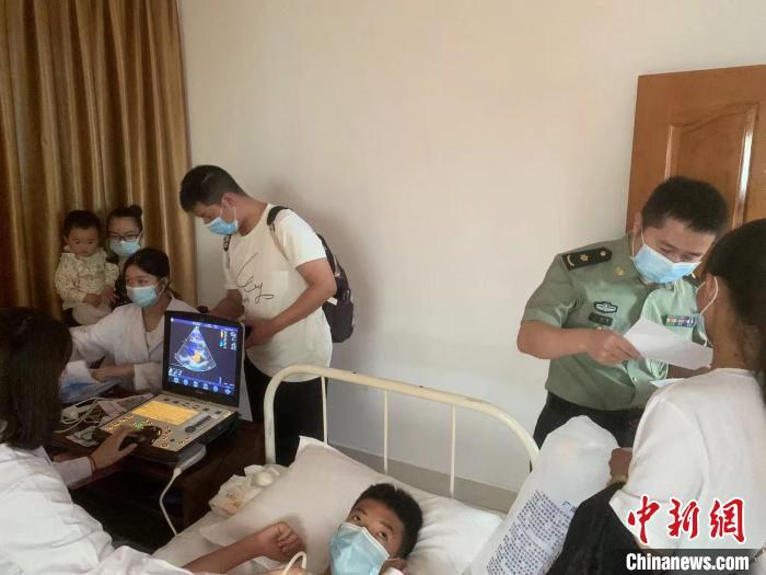 """云南青基会""""希望心""""生命救助计划资助19户先心病困难家庭"""