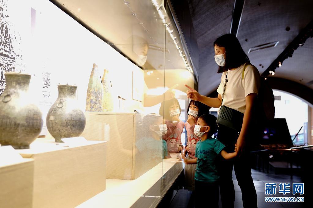 """上海:博物馆日里的""""文博大餐"""""""